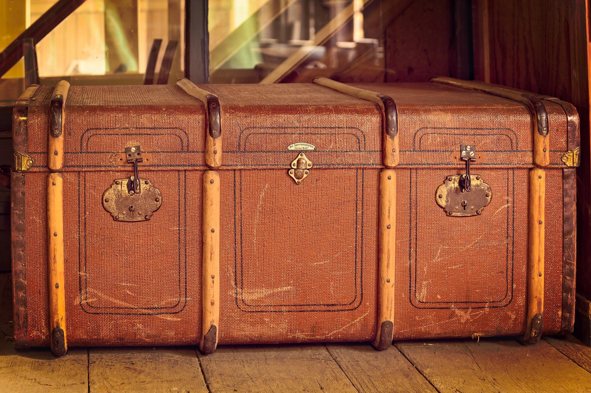 skrzynia kufer w stylu retro
